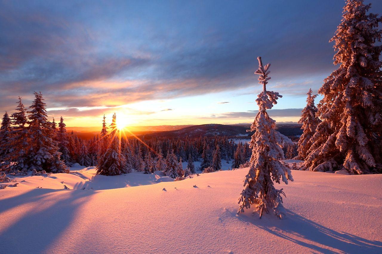 solnedgang-en-vinterdag-sett-fra-nordseter-lillehammer-norge